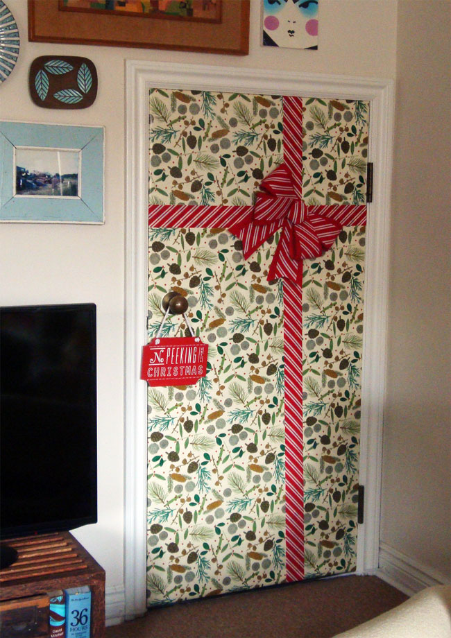 Christmas door 2015 | Social Nesting & Social Nesting - Stay home and feather...